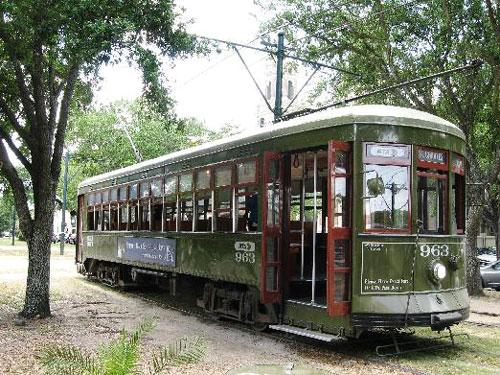 st-charles-streetcar.jpg